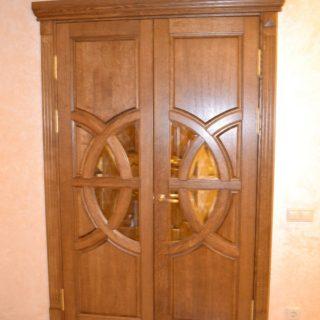 Межкомнатная двухстворчатая дверь