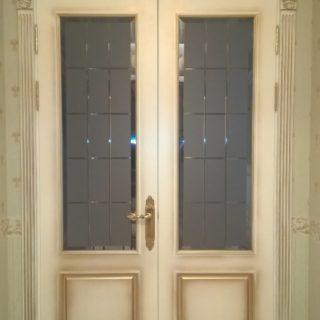 Дверь в «белом»